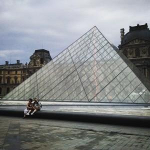 Париж, Лувр, Пирамиды,