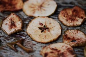 чипсы, фрукты, яблоки